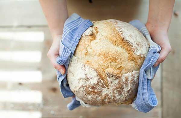 Brot selber backen - hier gibt es die Tipps