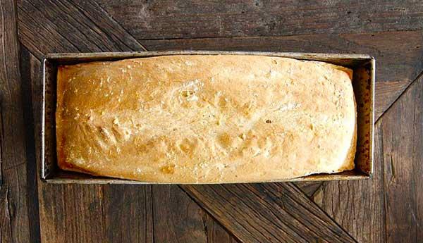 Brot backen in einer Kastenform