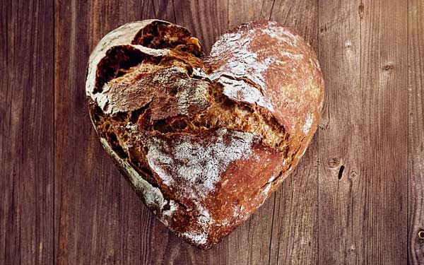Brot mit Liebe backen mit der richtigen Brotbackform